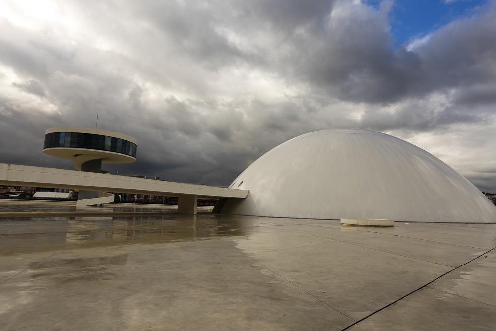 Centro Niemeyer. Cúpula y Torre.