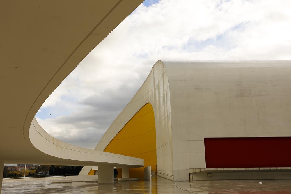Centro Niemeyer. Auditorio.