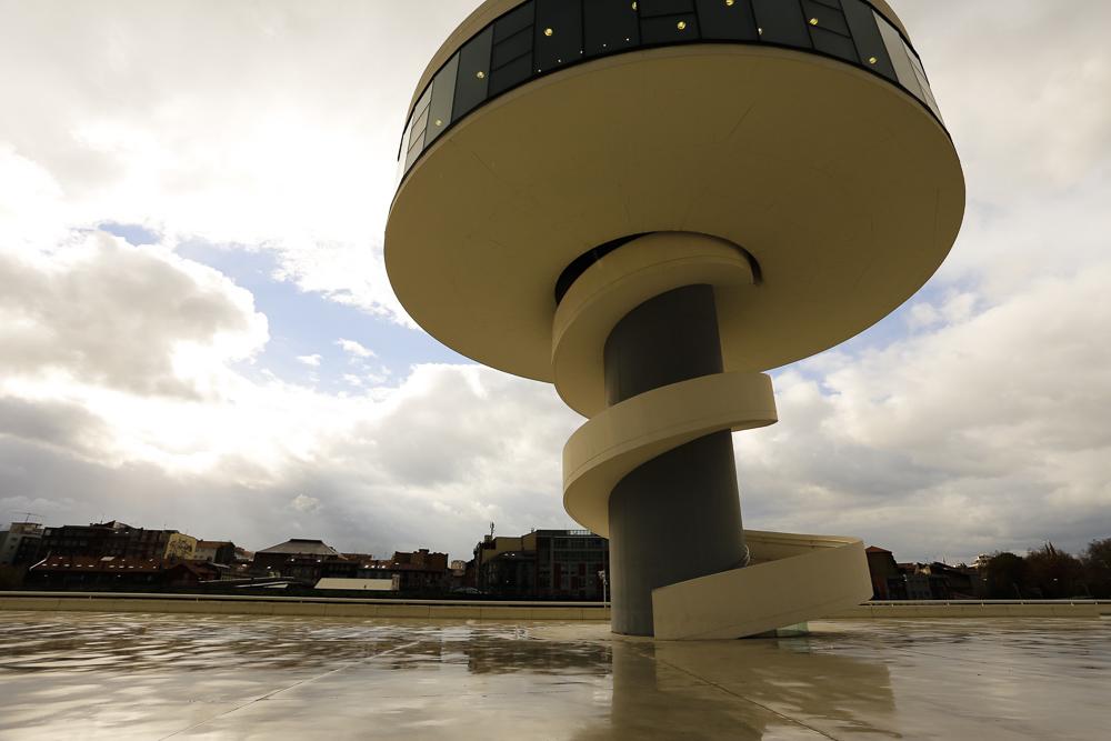 Centro Niemeyer. Torre.
