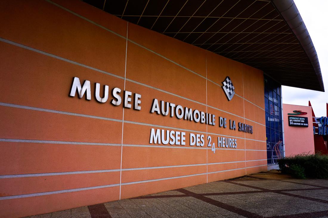 Fachada principal del Museo de Le Mans.