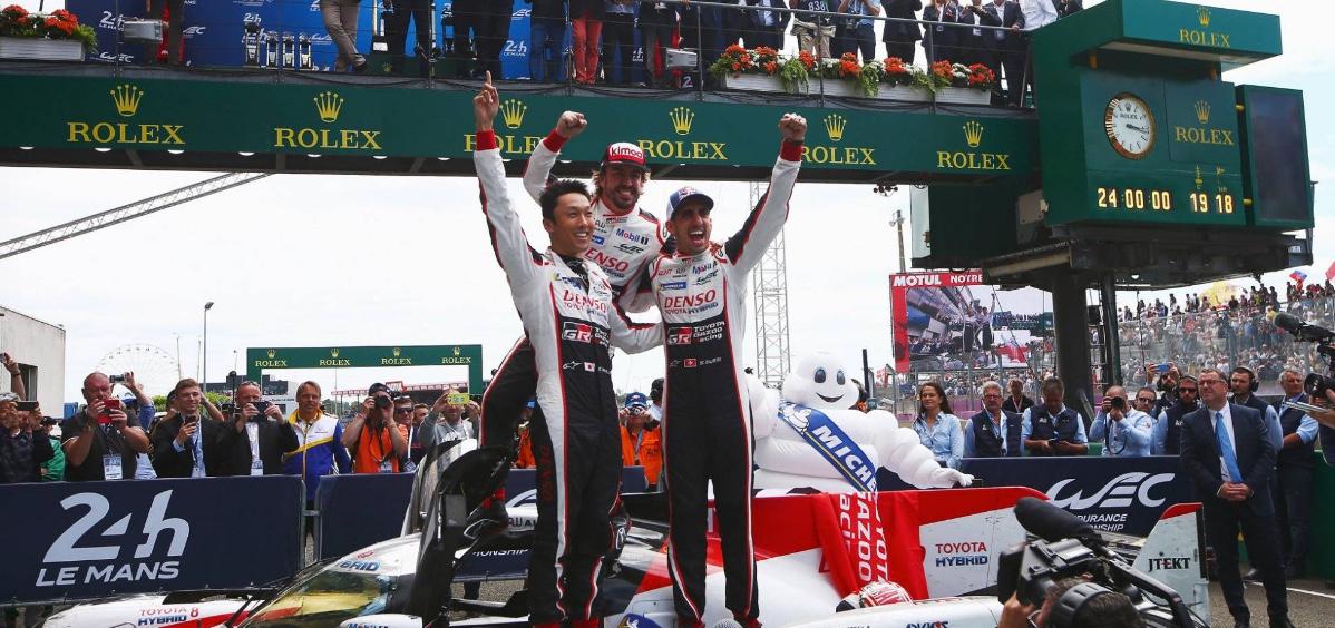 Fernando Alonso, Buemi y Nakajima. Ganadores Le Mans 2018.