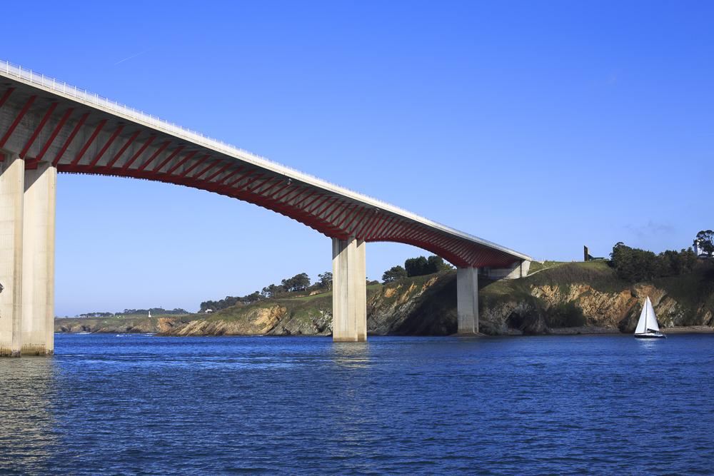 La TransAsturiana: Hemos llegado. Puente de los Santos uniendo Asturias y Galicia.