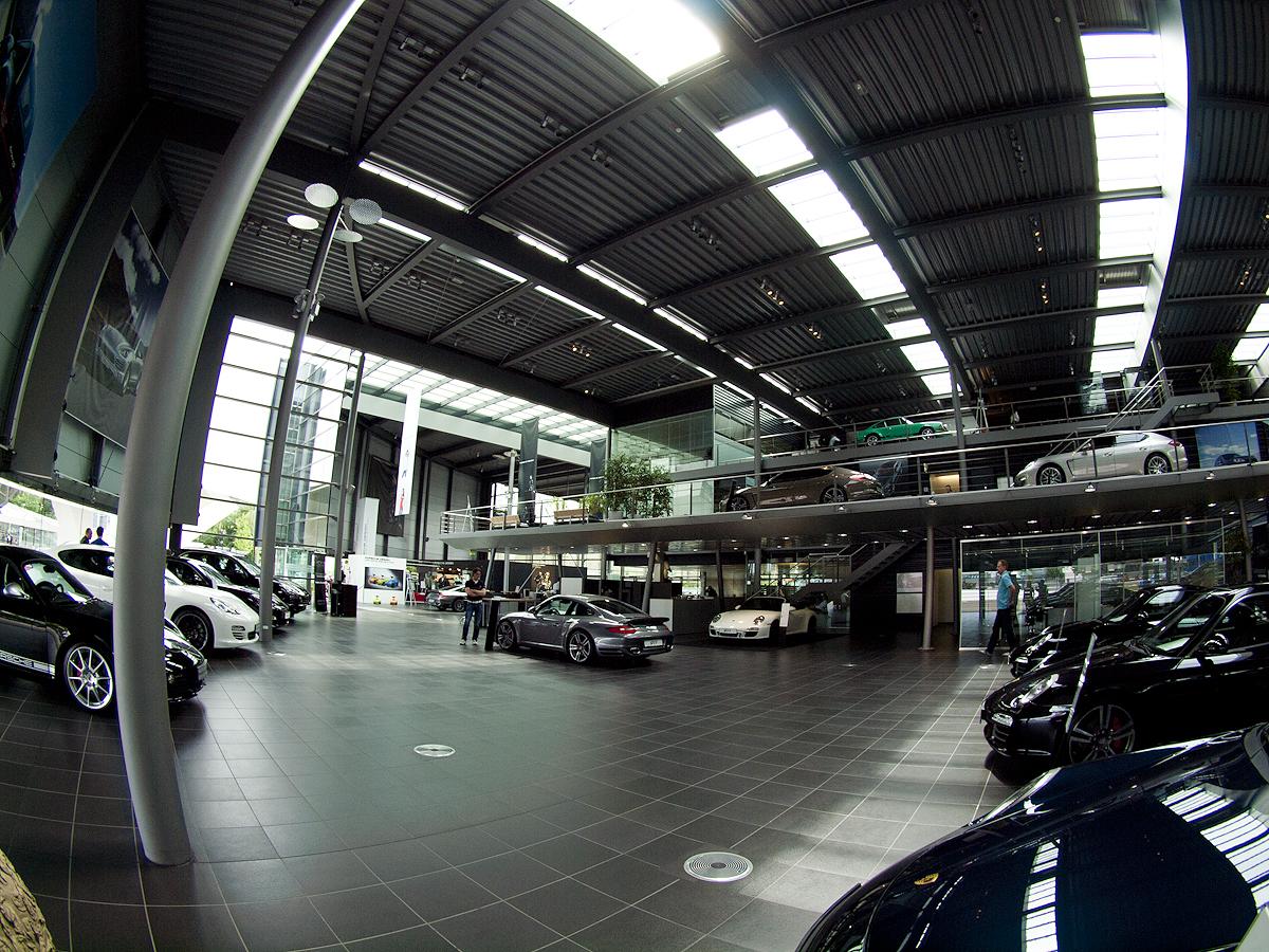 Porsche Zentrum Stuttgart.